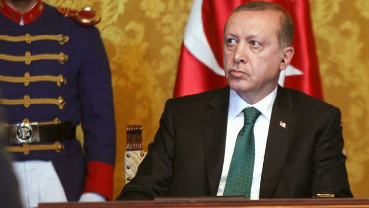'The Washington Post': Erdogan empuja a Turquía a un profundo agujero del que no hay escapatoria
