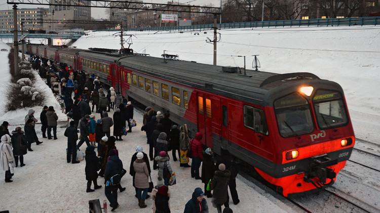Cambian horarios de un tren en Rusia para que una niña pueda aprender a bailar