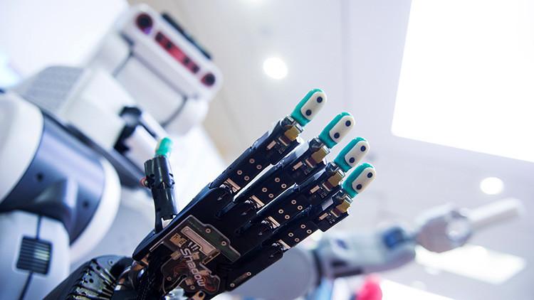 La Casa Blanca advierte que los robots reemplazarán a los humanos