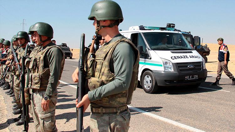 """""""Gran hermano"""": Revelan que militares turcos cooperan con el Estado Islámico en la frontera"""