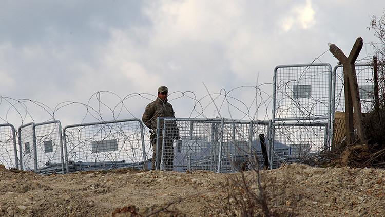 Un soldado turco en la frontera entre Turquía y Siria