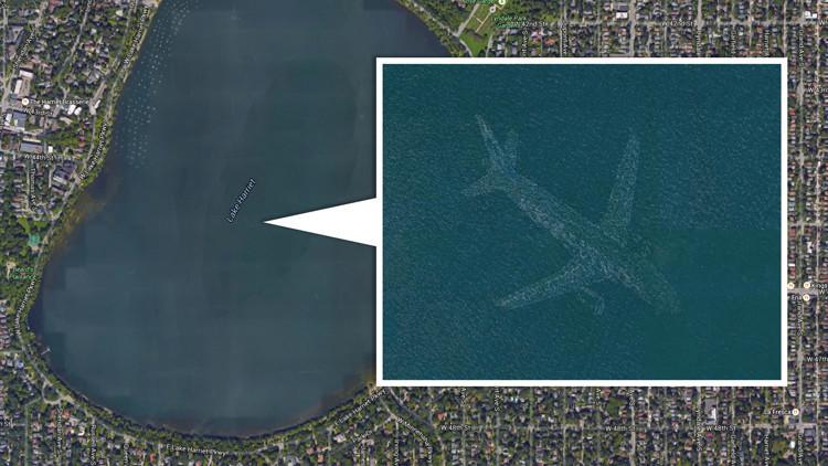 ¿Qué es la imagen de un avión intacto en el fondo de un lago detectada por Google Earth?