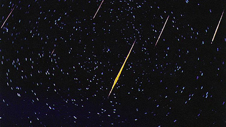 Video: ¿Existe un cometa cuya trayectoria directa se dirige hacia la Tierra?