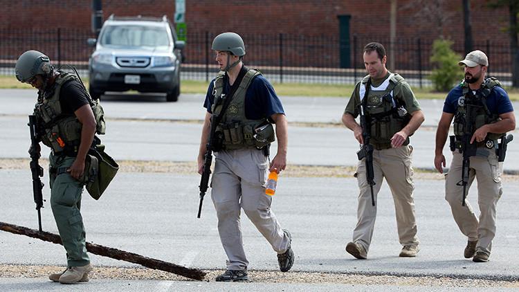 Miembros armados de los U.S. Marshals en Washington, Estados Unidos