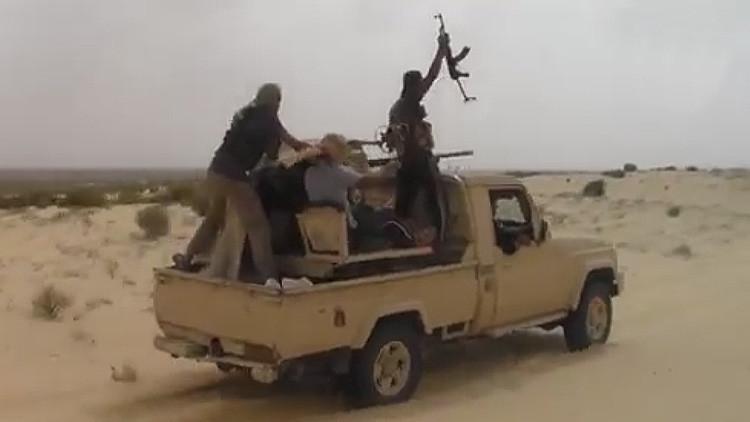 Los internautas se burlan del Estado Islámico por usar un refresco como sangre falsa en sus videos