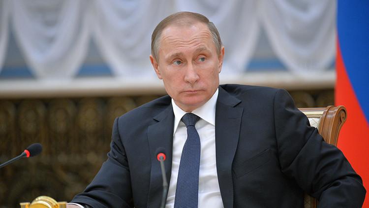 """Putin: """"Hay que crear todas las condiciones para un alto el fuego en Siria"""""""