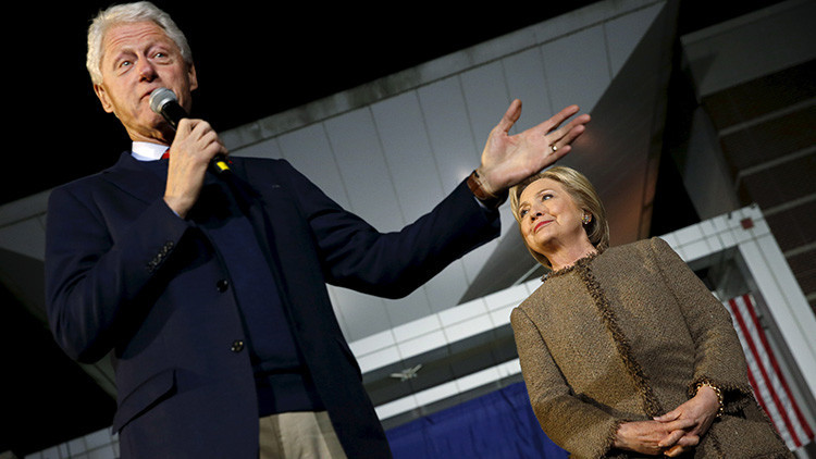 "Con 'diplomacia' y 'respeto': Bill Clinton manda a un veterano de guerra ""callar y escuchar"""