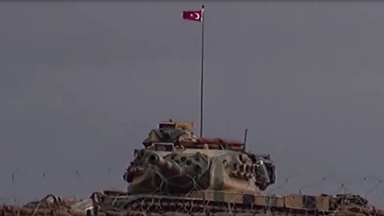 Video: Turquía crea campos de operaciones en la frontera con Siria