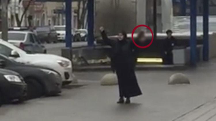 """""""Soy una terrorista"""": Testigo relata cómo la homicida paseó por Moscú la cabeza cortada de la niña"""