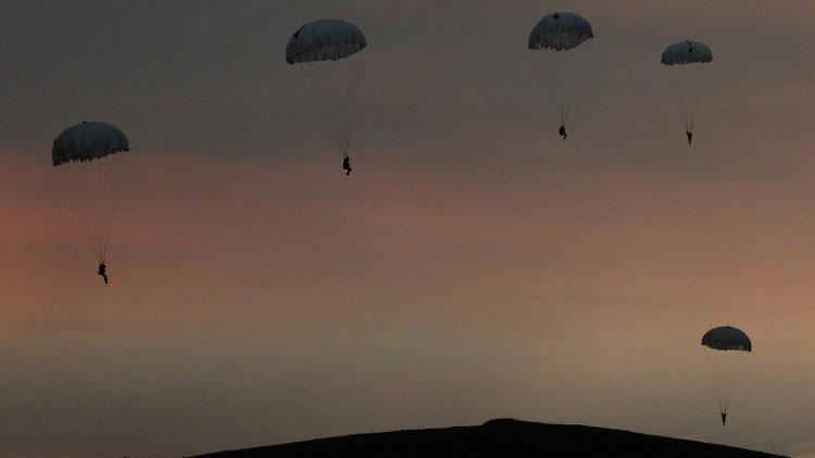 Graban los últimos segundos de vida de un paracaidista de las fuerzas especiales de Rusia (Video)