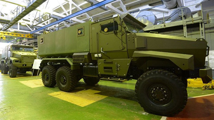 Video: ¿Cómo queda un camión blindado ruso tras soportar explosión de 6 kilos de TNT?
