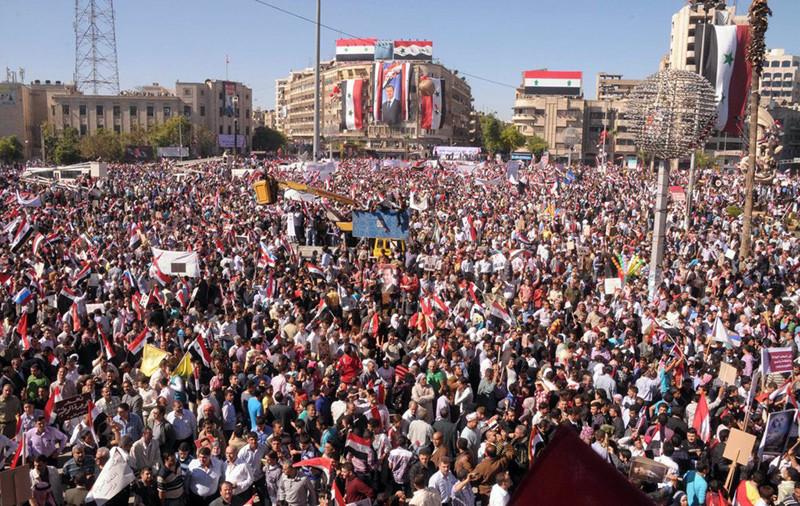 Manifestación en apoyo a Bashar Assad. Alepo, octubre de 2011