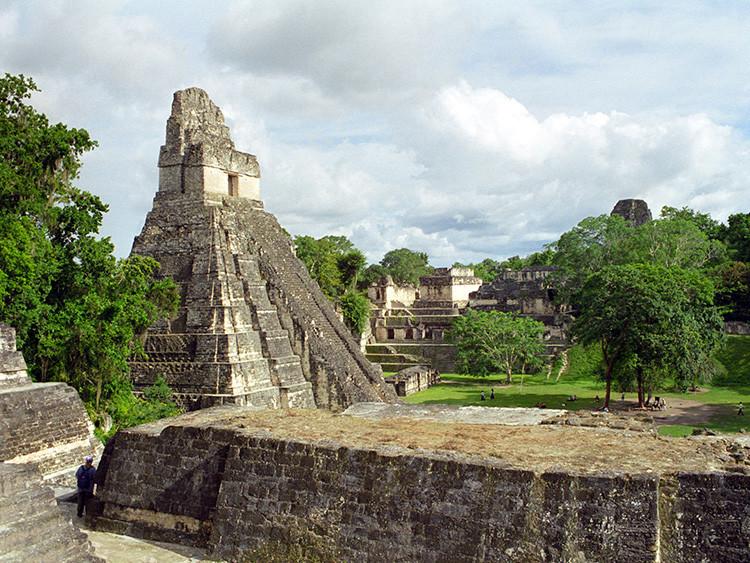 6. Пирамиды. Тикаль (Гватемала, майя)