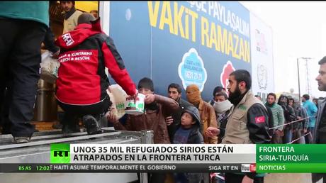 35.000 refugiados sirios están atrapados en la frontera turca