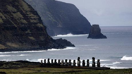 Los moáis en la costa de la isla de Pascua
