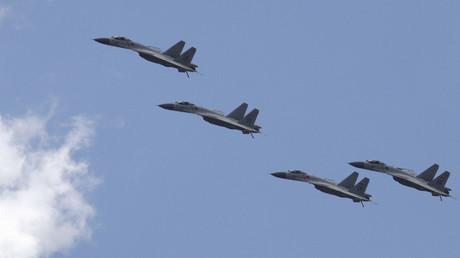 Aviones de combate J-11B de la fuerza Aérea de China. Julio 2 de 2015.