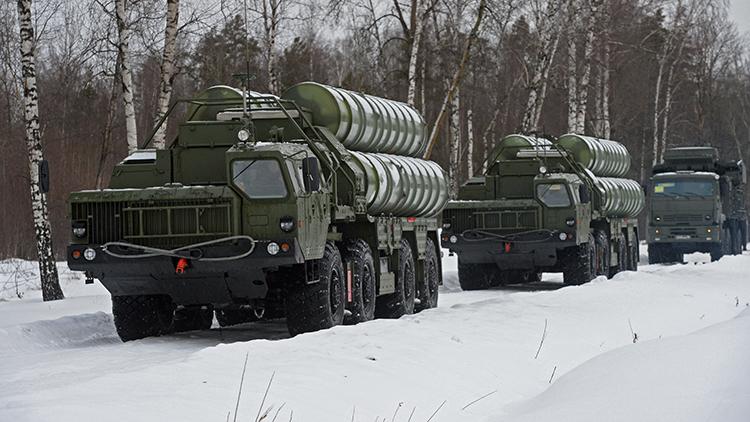 Rusia 'cierra el cielo' de Siberia con avanzados sistemas antiaéreos S-400 Triumf