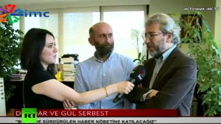 Turquía corta la transmisión de un canal de televisión durante entrevista a periodistas opositores
