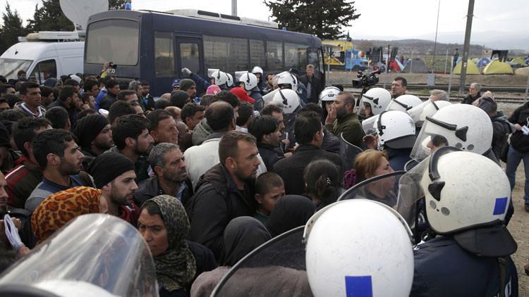 """La situación humanitaria de los refugiados en la frontera greco-macedonia """"es desastrosa"""""""