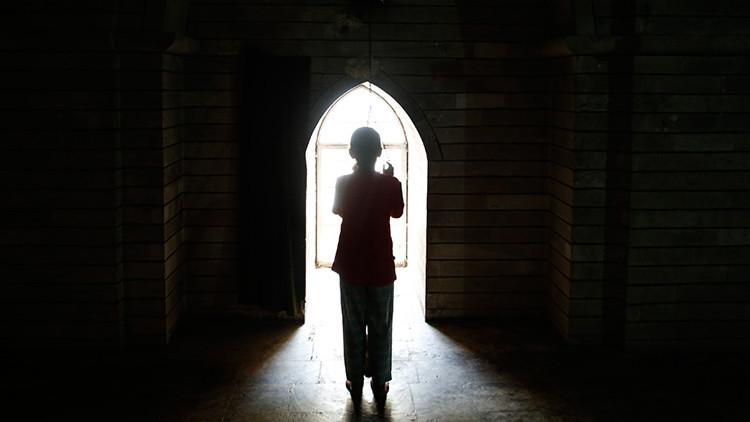 """Confesión de una niña de 8 años: """"El Estado Islámico me violó cientos de veces"""""""