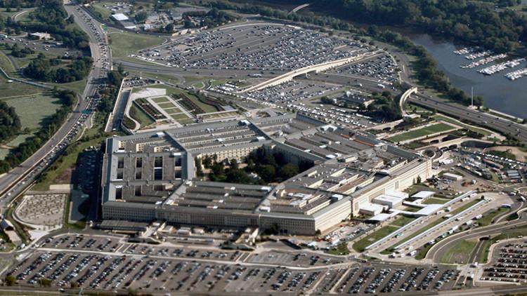 """¿Sigue la paranoia?: el Pentágono tilda a Rusia y China de """"principales retos"""" para EE.UU."""