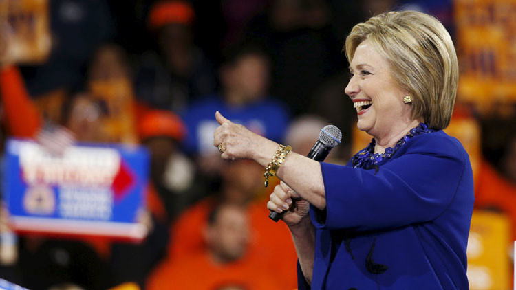 Hillary Clinton desclasificará material sobre ovnis si llega a la Casa Blanca