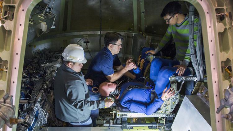Maniquíes ponen a prueba elamarizaje de la misión a Marte de la NASA (Fotos)