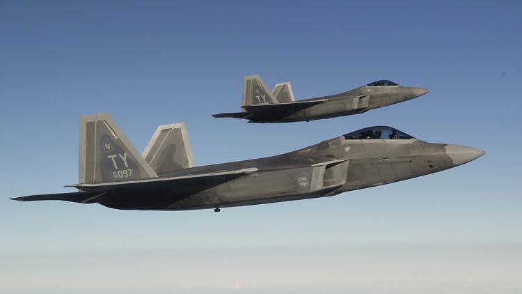¿El caza estadounidense F-22 Raptor vuela gracias a tecnología robada?