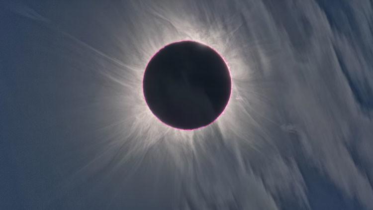 Feliz Día Internacional de la Mujer: El Sol ofrecerá un eclipse total el próximo martes