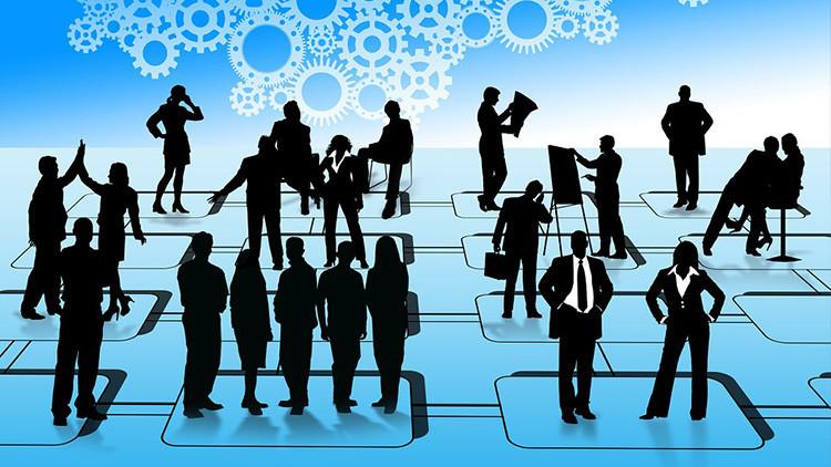 ¿Adiós a los jefes?: Por qué están condenadas a desaparecer las estructuras verticales en empresas