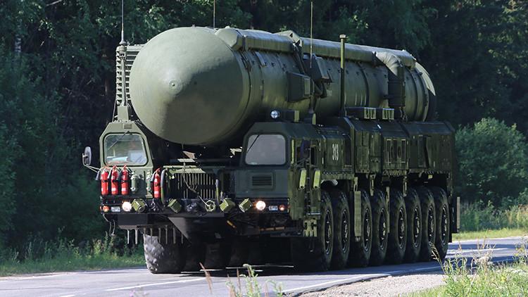 """""""Con el misil nuclear RS-26, los rusos han pasado de las palabras a los hechos"""" (Video)"""