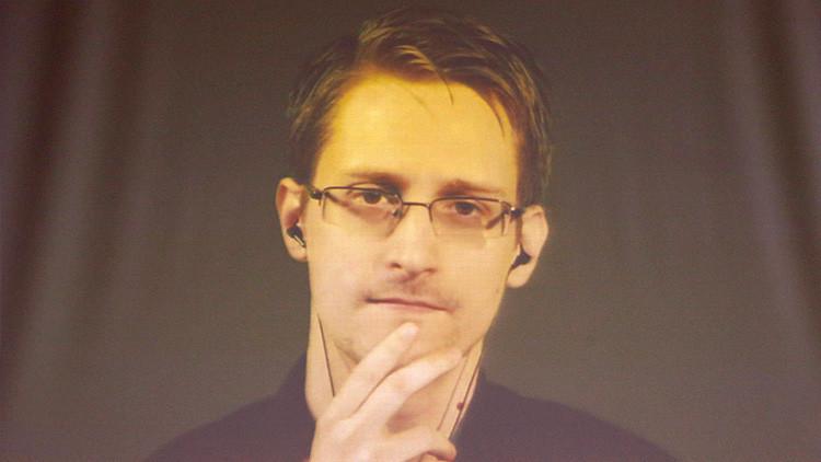 """Snowden: """"Es una estupidez"""" que el FBI no pueda acceder a un iPhone sin Apple"""