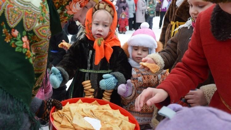 Preguntas y respuestas: la curiosa forma de los rusos de despedirse del invierno