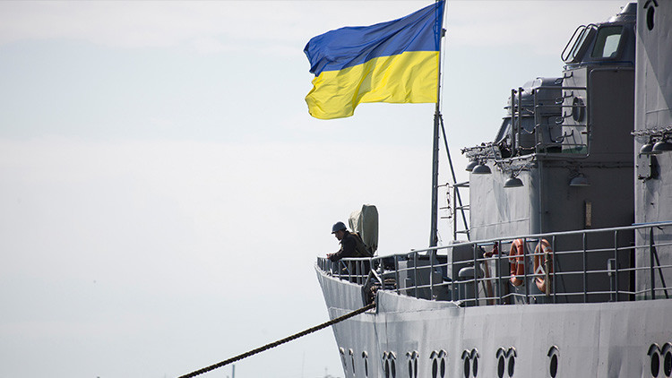 Militares de Ucrania desertan en masa y pasan sus vacaciones en Crimea