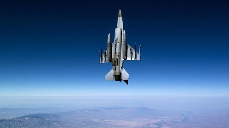 Video: Los científicos del Pentágono hacen el caza F-16 todavía más letal