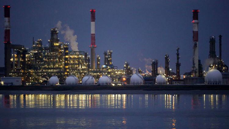 Rápido como un rayo: ¿Por qué el aumento de los precios del petróleo puede ser peligroso?