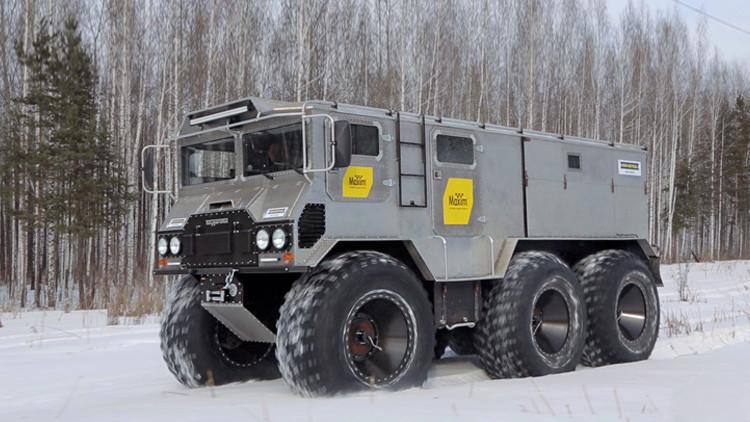 Un verdadero todoterreno: el vehículo ruso Burlak avanza sobre nieve, agua y hielo ártico (video)