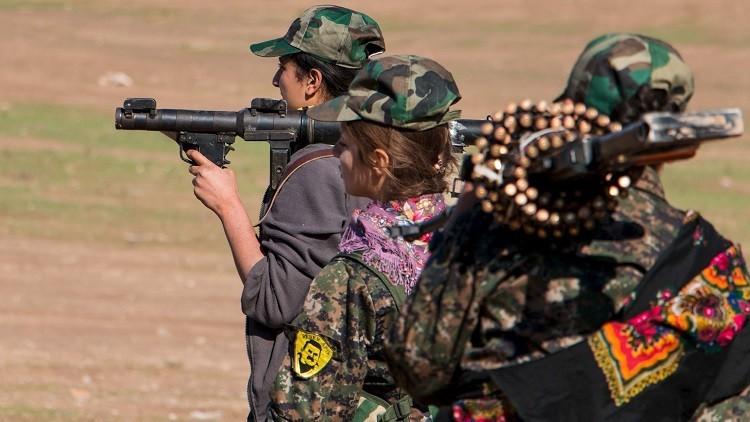 """Mujeres dispuestas a """"recibir una bala"""", forman parte de la guerra contra el EI en Siria (VIDEO)"""