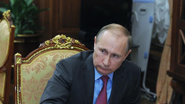 Se disparan las ventas del aparato misterioso que aparece en una foto de Putin