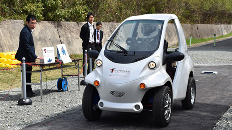 Foto, video: Así es el innovador vehículo eléctrico que se carga con el movimiento sobre el asfalto
