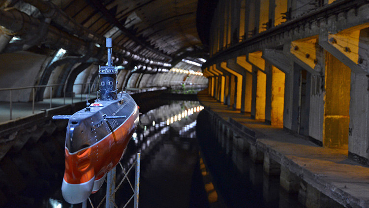 VIDEO: Así es la base secreta de submarinos de la Guerra Fría, en Crimea