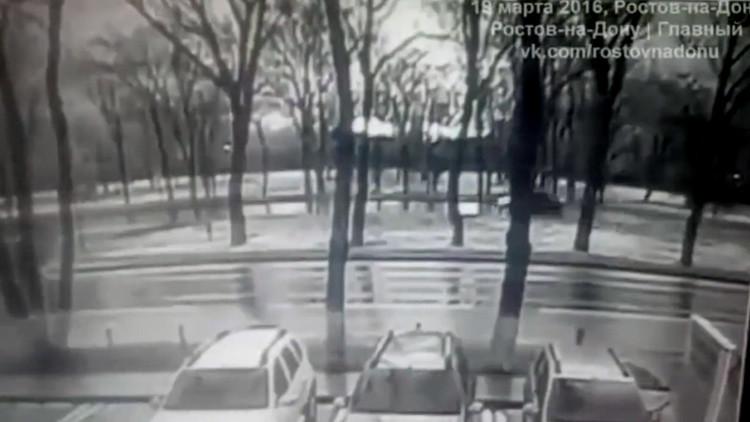 Aparece el primer video del siniestro del Boeing 737 en el sur de Rusia