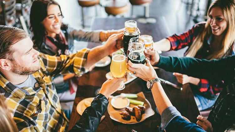 Trabajo de ensueño: 12.000 dólares por una gira cervecera mundial