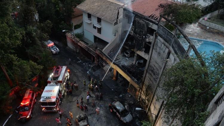 Avioneta cae sobre una casa en Sao Paulo dejando varias víctimas (Videos y Fotos)