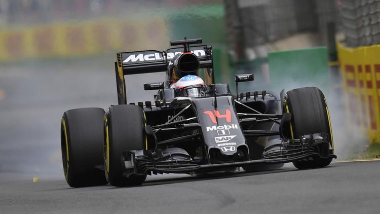 Fernando Alonso sale ileso de un aparatoso accidente (VIDEO)