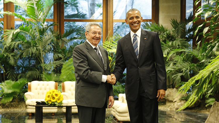 Barack Obama se reúne con Raúl Castro en el marco de su histórica visita