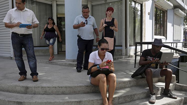 Barack Obama anuncia que un nuevo acuerdo de Google llevará wifi y banda ancha a Cuba