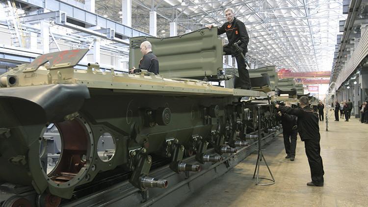 La fábrica de los temibles tanques rusos Armata abre al público
