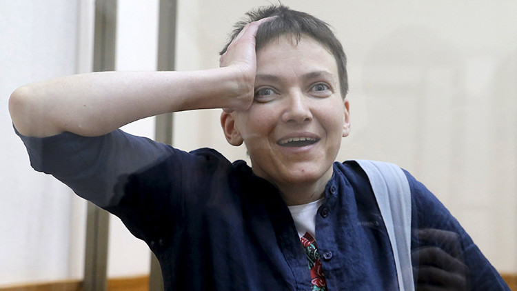Sentencian a la piloto ucraniana Sávchenko a 22 años de prisión