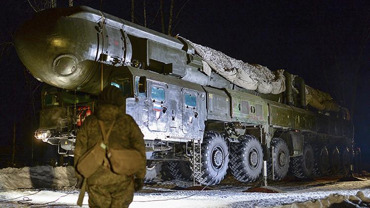"""¿Por qué el misil ruso RS-26 pone """"en jaque"""" a la defensa antimisiles de EE.UU. en Europa?"""